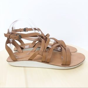 OluKai Shoes - Olukai Po'iu Cross Strap Leather Sandals